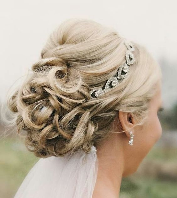 Best wedding hairstyles for short hair with veil and tiara Short Hair Wedding Styles With Veil Ideas
