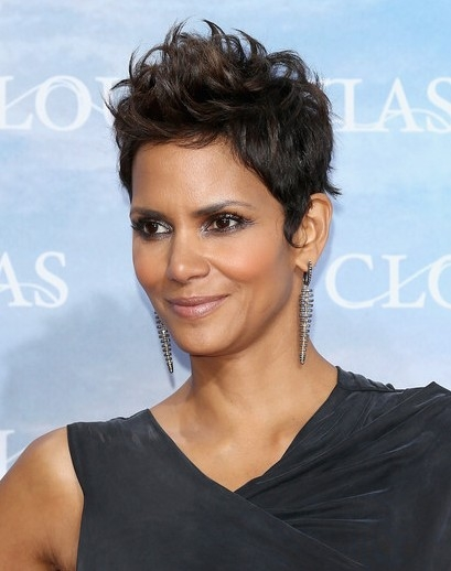 Elegant halle berry very short haircuts popular haircuts Halle Berry Short Hair Styles Choices