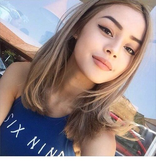 Elegant short hair and no makeup Makeup For Short Hair Styles Choices