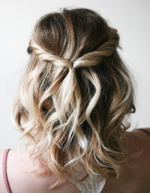 Fresh she really rocks this simple hair style this article also Pretty Hair Styles For Short Hair Choices