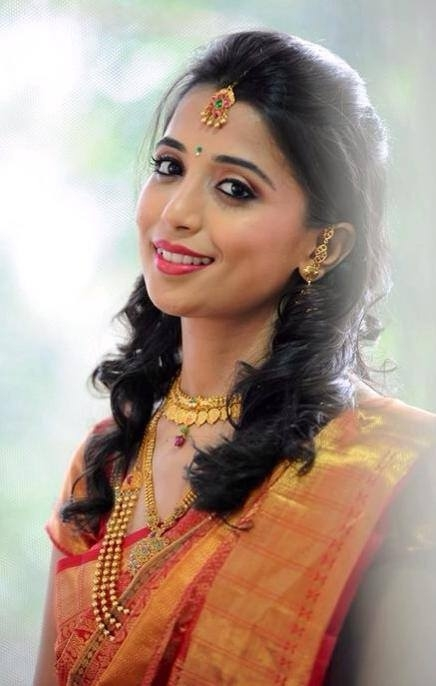 Fresh simple hairstyles for silk saree Simple Hairstyle For Short Hair On Saree Ideas