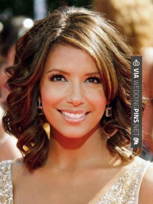 Stylish pin on hair Short Hairdos For Wedding Guest Choices