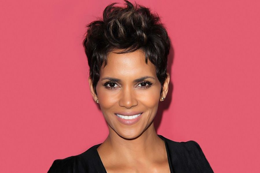 Stylish the most iconic halle berry short hair ideas of all time Halle Berry Short Hair Styles Inspirations