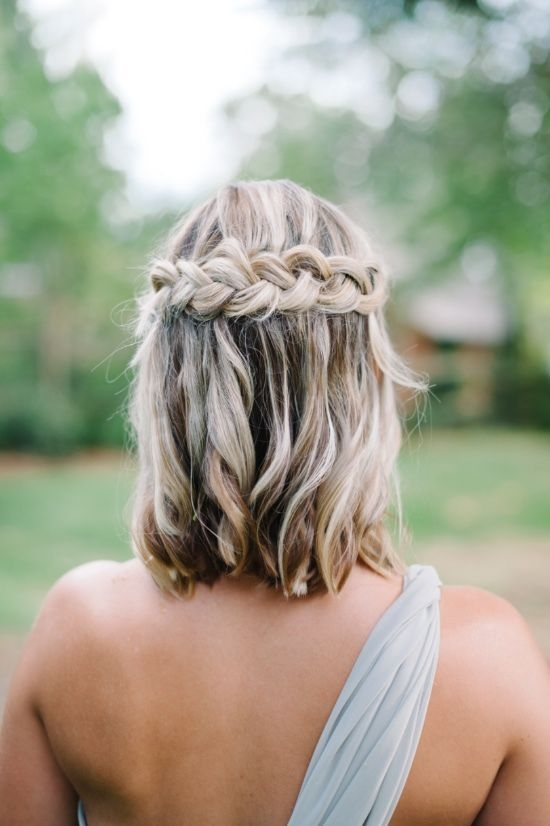 30 bridesmaid hairstyles your friends will actually love Cute Short Hairstyles For Bridesmaids Choices