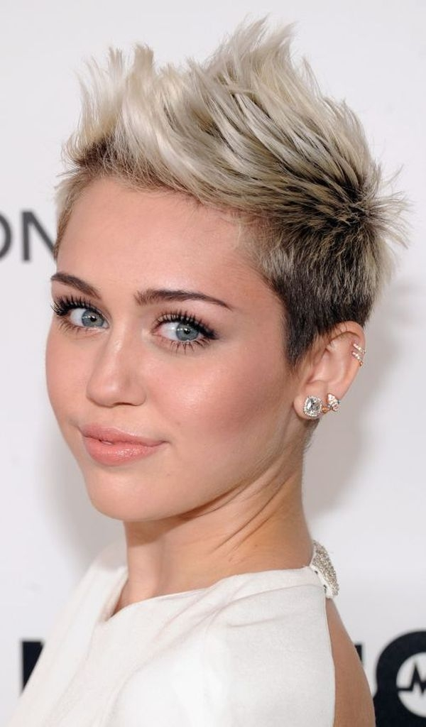 40 short haircuts for round faces trending in november 2020 Cute Short Haircuts For Thick Hair And Round Faces Choices