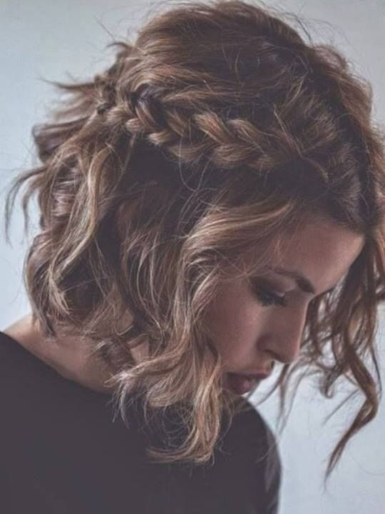 Awesome 12 feminine short hairstyles for wavy hair easy everyday Easy Everyday Hairstyles For Short Curly Hair Inspirations