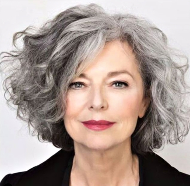 Awesome 3 ways to wear gray hair over 40 Short Wavy Grey Hair Styles Ideas