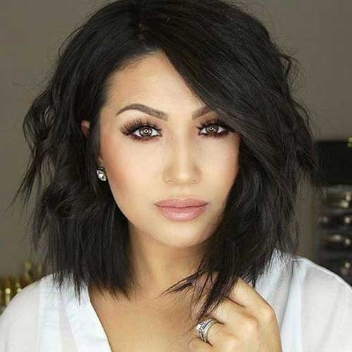 Awesome 35 best layered short haircuts for round face 2018 Medium Short Hairstyles For Round Faces And Thick Hair Inspirations