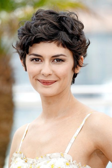 Awesome 45 hypnotic short hairstyles for women with square faces Short Curly Haircuts For Square Faces Choices
