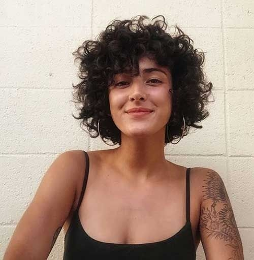 Awesome 9cute hairstyle for short curly hair short curly hair Cute Short Curly Haircuts Inspirations