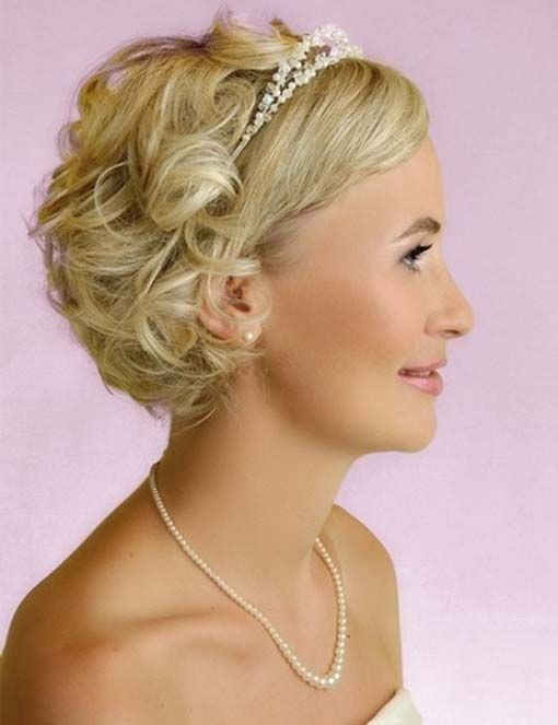 Awesome bridesmaid hairstyles for short hair popular haircuts Short Hair Wedding Styles Bridesmaid Inspirations