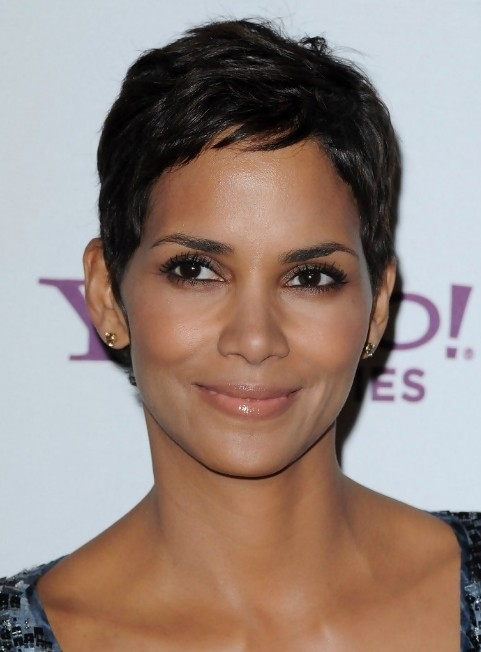 Awesome halle berry short pixie hairstyle hairstyles weekly Halle Berry Short Haircut Ideas