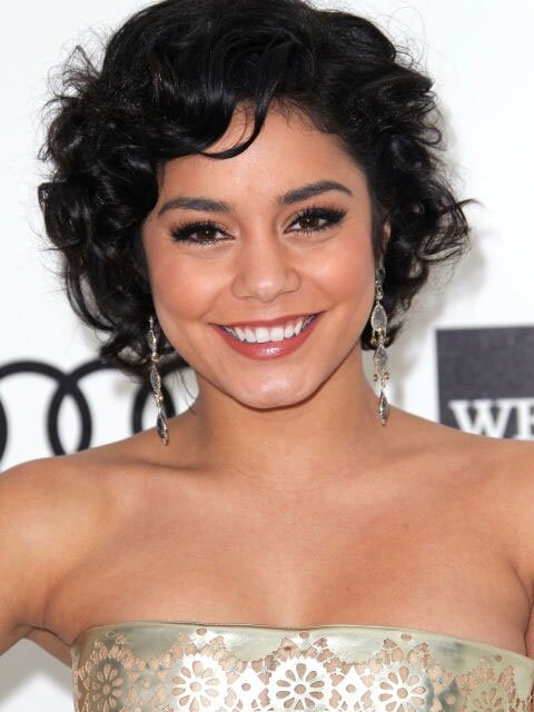 Awesome the best curly hairstyles for round faces southern living Short Haircuts For Round Faces And Curly Hair Choices