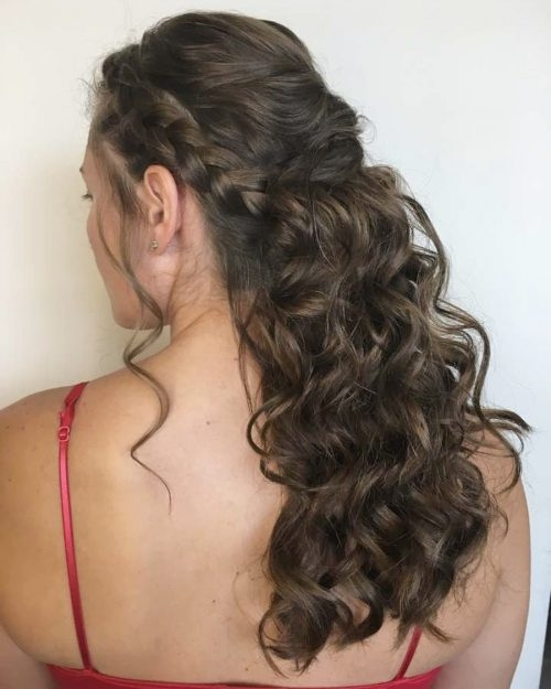 Best 18 stunning curly prom hairstyles for 2020 updos down Prom Hairstyles For Medium Hair With Curls And Braids Ideas