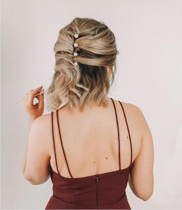 Best 25 easy wedding guest hairstyles thatll work for every Short Hair Updos For Wedding Guest Choices