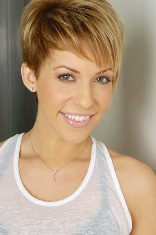 Best 26 best short haircuts for long face popular haircuts Short Haircut For Thick Hair And Long Face Choices