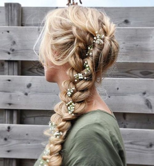 Best 45 side hairstyles for prom to please any taste braids for Romantic Prom Hairstyle For Long Hair With Braided Flower Ideas