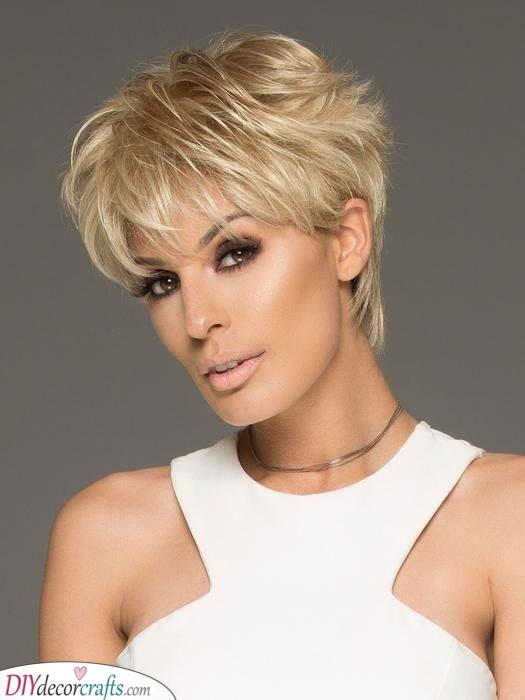 Best short hairstyles for women over 50 25 short haircuts for Short Hair For Over Fifties Choices