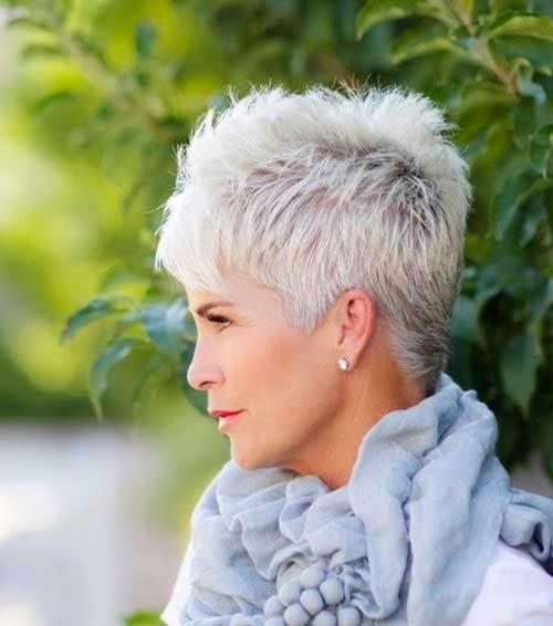 Elegant 34 flattering short haircuts for older women in 2020 Short Haircuts Older Women Ideas