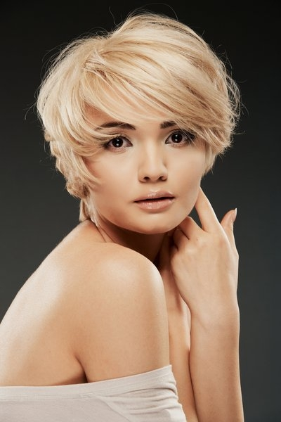 Elegant 45 hypnotic short hairstyles for women with square faces Short Hairstyle For Square Face Inspirations