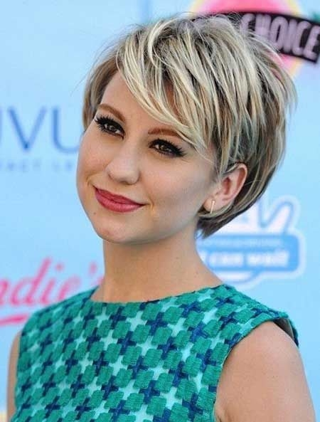 Elegant pin on hair Short Hairstyle For Round Faces Inspirations