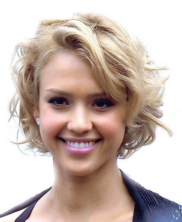 Elegant pretty short hairstyles for thick wavy hair leonhairschool Short Haircuts For Thick Wavy Hair Oval Face Ideas
