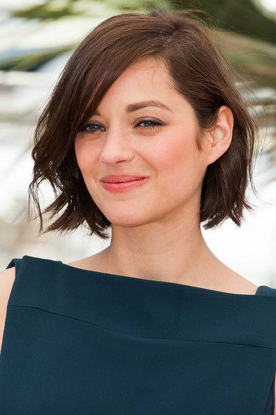 Elegant the best short hairstyles for oval faces southern living Short Haircuts For Thin Hair And Oval Face Choices