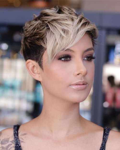 Fresh 21 flattering short haircuts for oval faces in 2020 Short Haircuts For Thin Hair And Oval Face Ideas