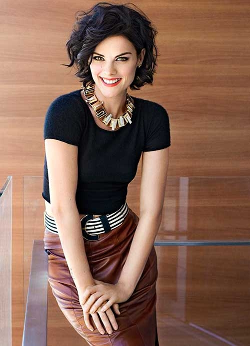 Fresh 60 flattering short hairstyles for women with oval faces Short Haircuts For Thick Wavy Hair Oval Face Inspirations