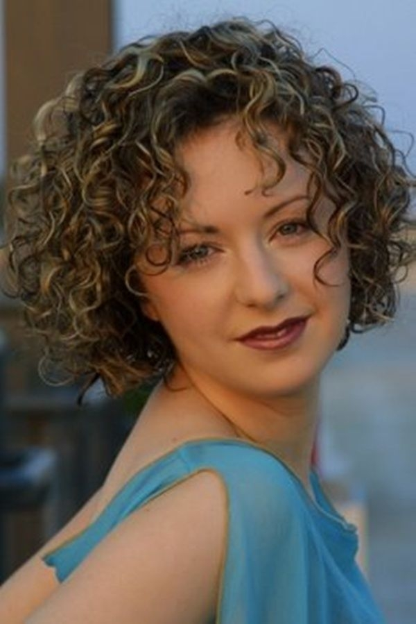 Fresh curly haircuts for women with naturally curly hair 600 Short Layered Haircuts For Naturally Curly Hair Inspirations