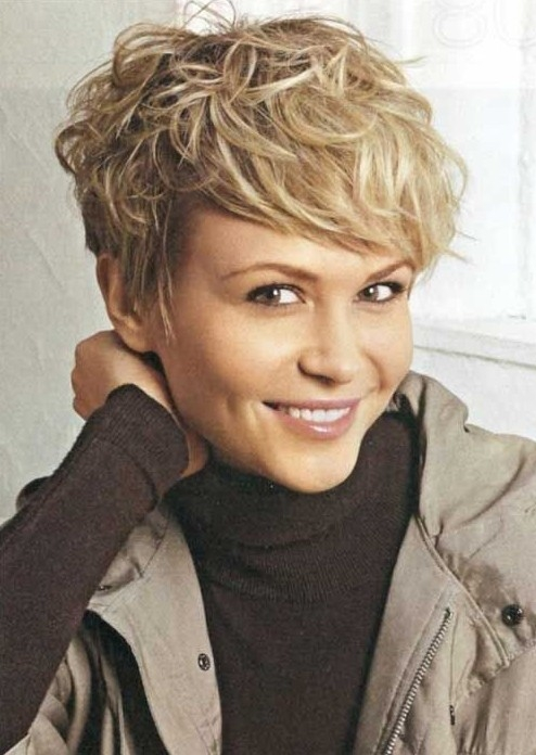 Fresh short messy hairstyle for women easy haircuts popular Short Messy Haircuts Ideas