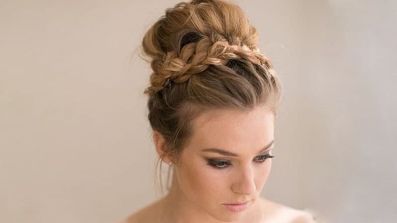 Stylish 50 stunning prom hairstyles for 2020 the trend spotter Prom Hairstyles For Long Hair Updos Braided Choices