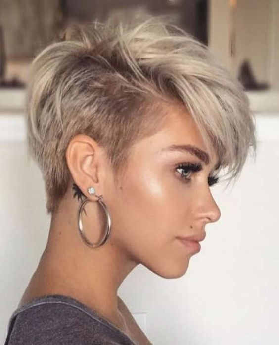 Stylish hair style bridal hairstyle scattered hairstylelong hair Woman Short Haircuts Inspirations