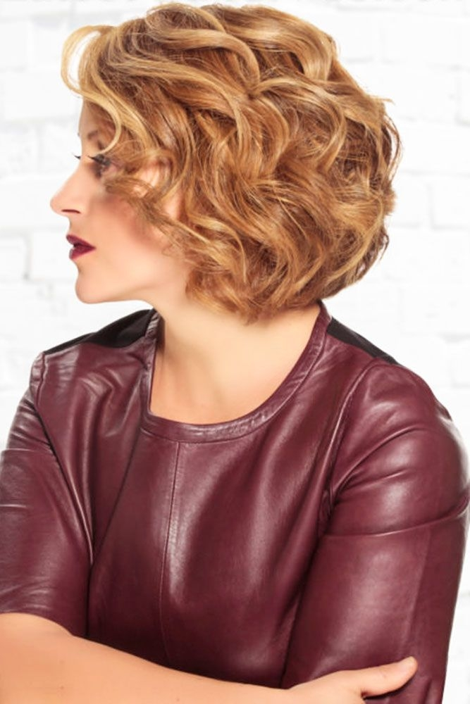 Stylish mother of the bride hairstyles 63 elegant ideas 202021 Short Curly Hairstyles For Mother Of The Bride Ideas