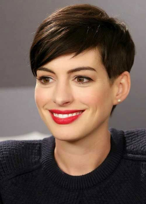 the best short hairstyles for oval faces southern living Best Short Haircuts For Oval Shaped Faces Inspirations