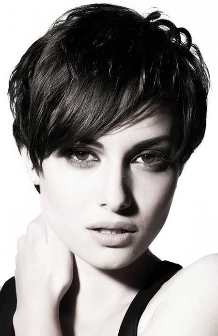 Trend 26 best short haircuts for long face popular haircuts Short Haircut For Thick Hair And Long Face Choices