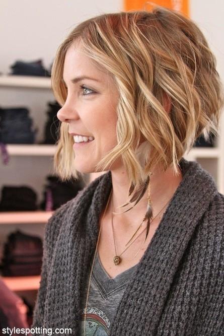 Trend short layered wavy hair cute hairstyles popular haircuts Cute Hairstyles For Short Layered Hair Ideas
