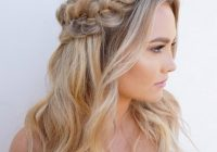 Awesome 23 stunning half up half down wedding hairstyles Bridal Hairstyles Half Up Half Down With Braids Inspirations