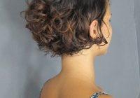Trend a imagem pode conter uma ou mais pessoas curly hair Short Curly Hair Styles Choices