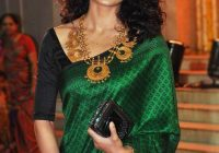 Trend hairstyles for saree 20 cute hairstyles to wear with saree Hairstyle For Short Hair Wearing Saree Choices
